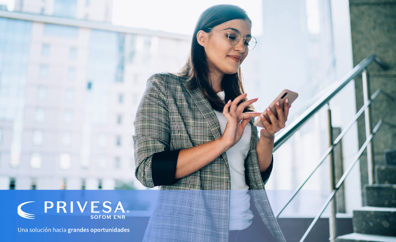 La inclusión financiera se define como el acceso y uso de productos financiero bajo una regulación que garantiza protección al usuario.